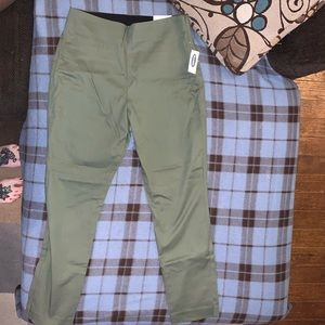 Old Navy Green Ankle Pixie Skinny Pants Size 8 NWT